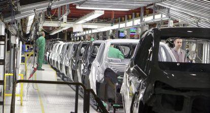 Cadena de montaje de una planta de General Motors.