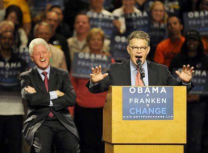 Al Franken, de cómico de<i> Saturday night live</i> a senador por Minnesota del Partido Demócrata.