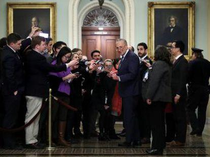 La primera sesión del  impeachment  al presidente se prolonga más de 12 horas por el pulso sobre los testigos que deben comparecer y la solicitud de pruebas