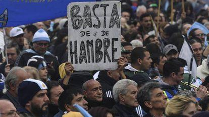 Manifestación para denunciar el hambre y la precariedad en Buenos Aires, Argentina, en 2018.