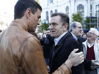 El presidente del Gobierno Pedro Sánchez con el secretario regional del PSOE-M José Manuel Franco.