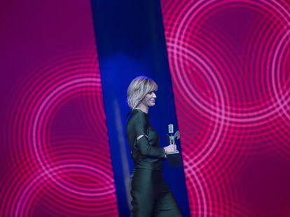 Susanna Griso recibe el Premio Ondas Nacional de Televisión por mejor presentadora.