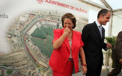 Rita Barberá y Francisco Camps en la inauguración de la obra del circuito urbano de Valencia en octubre de 2007.