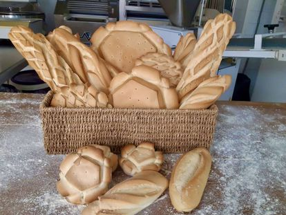 Surtido de panes candeales de la panadería Arapiles (Salamanca).