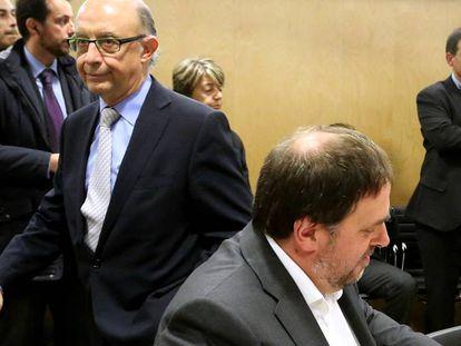 El ministro de Hacienda, Cristóbal Montoro, y el vicepresidente de la Generalitat de Cataluña, Oriol Junqueras.