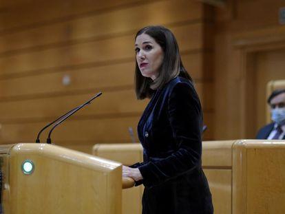 La senadora Ruth Goñi interviene durante una sesión plenaria en la Cámara alta.