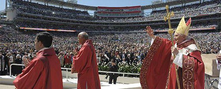 El Papa, en el estadio de los Nationals, durante la misa.