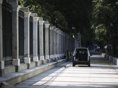 Reparaciones de la valla del Jardín Botánico de Madrid.