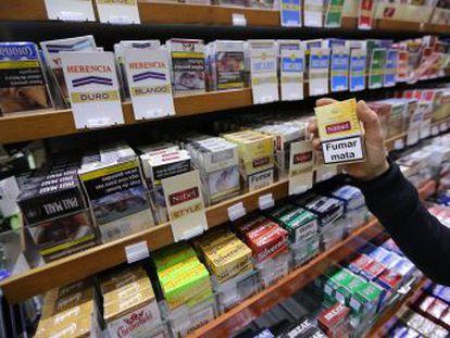 La Organización Médica Colegial también defiende la equiparación de los cigarrillos electrónicos a los productos del tabaco