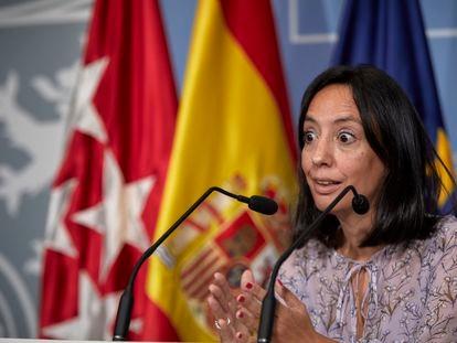 La delegada del Gobierno de Madrid, Mercedes González, durante la rueda de prensa en la sede de la institución.
