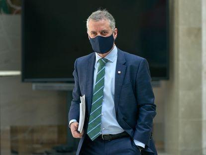 El lehendakari Iñigo Urkullu acude con la mascarilla puesta a una reunión técnica de salud en Vitoria, el pasado abril.