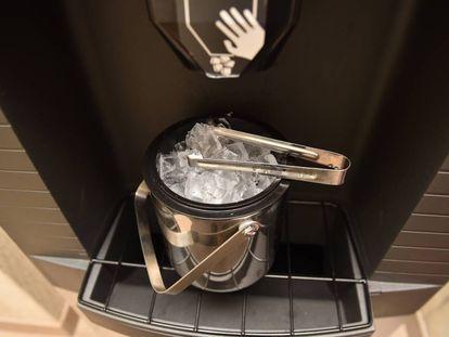 Dispensador de hielos