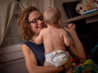Uno de los bebés afectados por el brote.