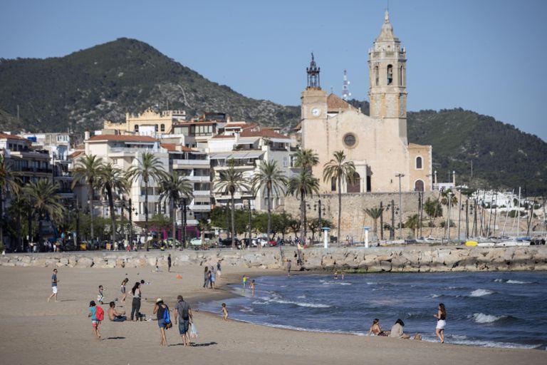 Sitges, una de las localidades que protagonizará la serie de este verano de EL PAÍS Catalunya.