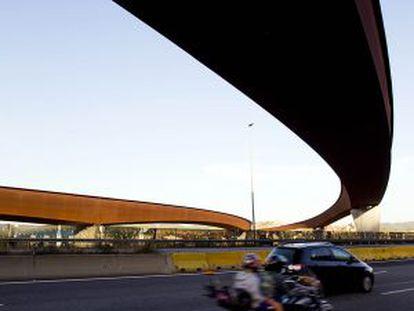 El viaducto que debería unir la AP-7 y la AP-2.