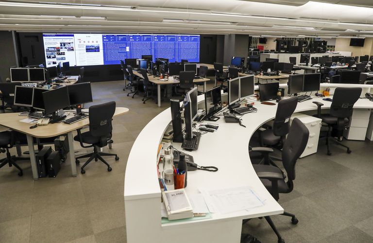 The newsroom of EL PAÍS, empty during the pandemic.