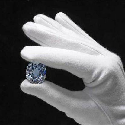 El diamante azul que se subasta en Christie's.