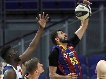 Mirotic, en el partido Barça-Baskonia.