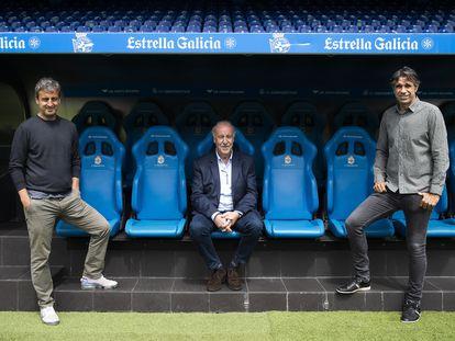Entrevista a Fran Gonzalez y Juan Carlos Valeron exjugadores del RC Deportivo de La Coruña con el ex selecionador nacional Vicente del Bosque en el estadio de Riazor (A Coruña).