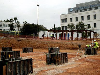 Obras en el parque sanitario Pere Virgili de Barcelona.