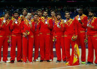 La selección masculina de baloncesto, tras ganar la medalla de plata en los Juegos de Londres.