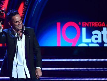 El cantautor uruguayo Jorge Drexler, en los Grammy Latinos. En vídeo, el resumen de la gala.