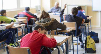 Alumnos en un instituto de Sevilla.