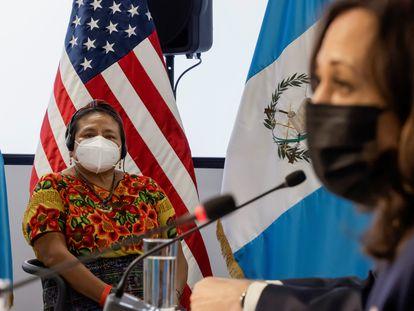 Kamala Harris habla este lunes en un encuentro en Guatemala en el que participó la Premio Nobel de la Paz Rigoberta Menchú.