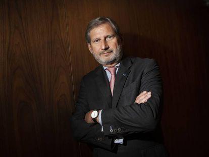 El comisario europeo de Presupuestos, Johannes Hahn, en Barcelona a finales de 2018.