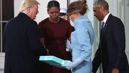 Donald y Melania Trump y Michelle y Barack Obama en la Casa Blanca el 20 de enero de 2017.