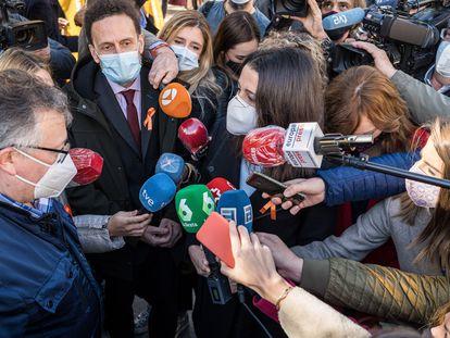 Inés Arrimadas y Edmundo Bal, diputados de Ciudadanos, frente al Congreso de los Diputados, en una manifestación que se pronunció en contra de la 'Ley Celaá'.