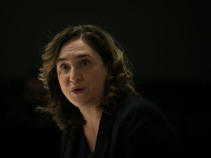 Ada Colau, durante el acto anual del Colegio de Periodistas 'La Alcaldessa Respon'.