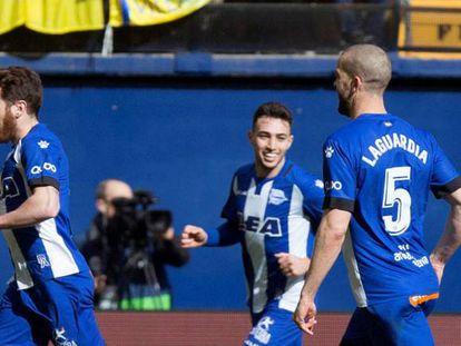 Ibai, a la izquierda, celebra su gol contra el Villarreal.