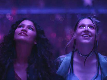 Zendaya y Hunter Schafer , en una imagen del último capítulo de 'Euphoria'.