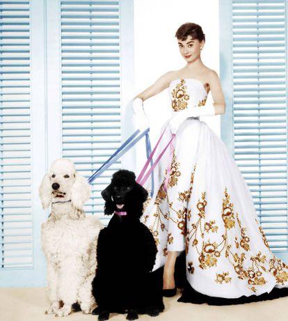 Audrey Hepburn, con un diseño de Givenchy en 'Sabrina'.