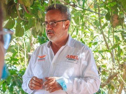 Abel Murrieta, candidato a la alcaldía de Cajeme por el partido Movimiento Ciudadano, en un acto de campaña.