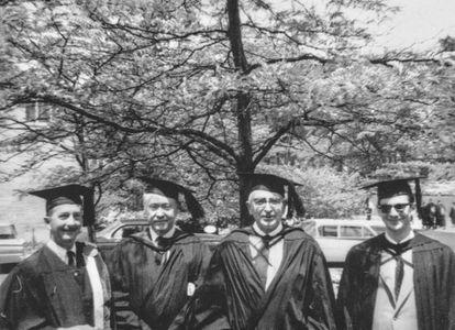 Martín Domínguez (segundo por la derecha), en la Universidad de Cornell (1961).