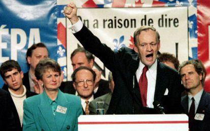 Jean Chrétien, primer ministro canadiense en 1995 y contrario a la separación de Quebec, durante la campaña para el último referéndum