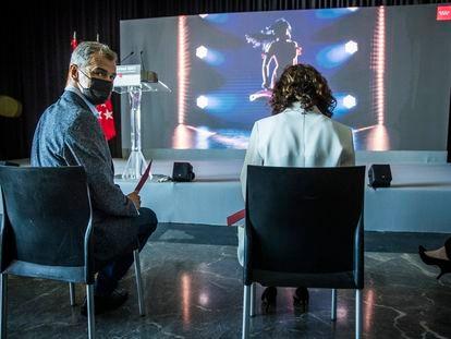 Toni Cantó e  Isabel Ayuso, durante la presentación de la Oficina del Español en el Círculo de Bellas Artes de Madrid, este viernes.