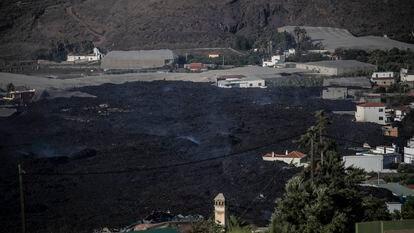 La lava cubre parte del municipio de La Laguna, en La Palma.