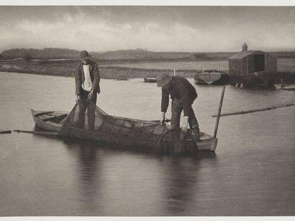 Pesca artesanal de anguila en 1887.