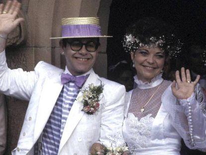 La boda de Elton John y Renate Blauel, celebrada en la iglesia de St. Mark en Sídney (Australia) el 14 de febrero de 1984. En vídeo, la escena de su biopic 'Rocketman' en la que se muestra la relación.
