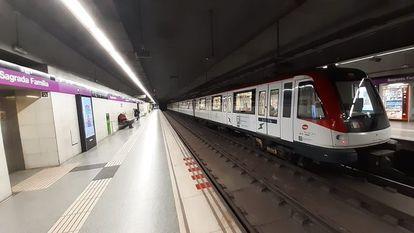 La estación de Sagrada Familia de la L2 del Metro de Barcelona  @TMB_BARCELONA 24/03/2020