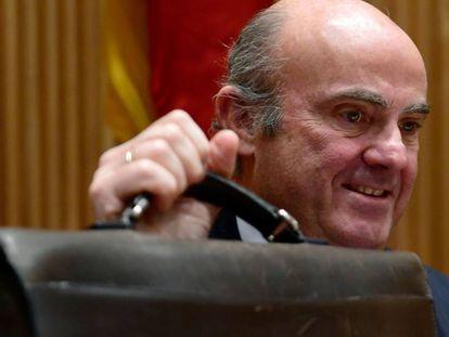 Luis de Guindos, ministro de Economía, en el Congreso, en la Comisión de investigación de la crisis financiera.