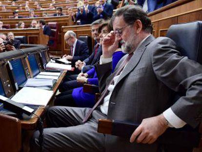 La dirección del partido del Gobierno intenta tranquilizar