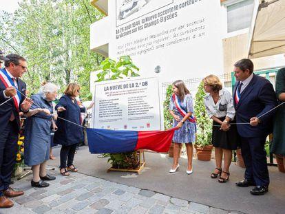 La ministra de Justicia en funciones, Dolores Delgado y la alcaldesa de París, Anne Hidalgo, durante los homenajes a La Nueve