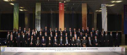Foto de familia de los ministros de Finanzas y gobernadores de bancos centrales del G-20.