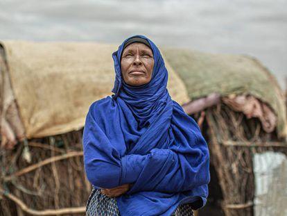 Amina Ibrahim, de 50 años y madre de 12 niños abandonó, su hogar en un pueblo de Etiopía en 2017, cuando por culpa de la sequía murió todo su ganado.