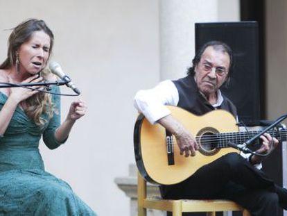 Concierto de Rocio Márquez y Pepe Habichuela en el Claustro de San Pedro Martir, en Toledo.